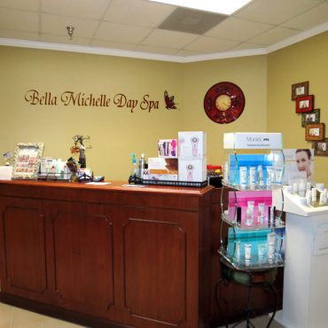 Bella Michelle Store Counter